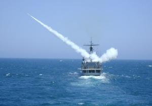 Este año no hay Fraterno para la Armada Argentina. Una Meko 360 lanzando un misil aspide en la foto (Foto: Gaceta Marinera)