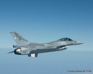 Chile busca adquirir 18 F-16A/B MLU más para completar una flota de 46 F-16 de distintas versiones. (Foto: Fuerza Aérea de Chile)