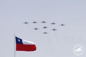 F-16 chilenos en formación. Alan Garcia realizó una crítica encubierta a la nueva compra de aviones chilenos. (Foto: Fuesa Aérea de Chile)