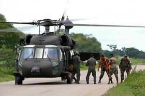 Black Hawk de la FAB en tareas humanitarias en Bolivia